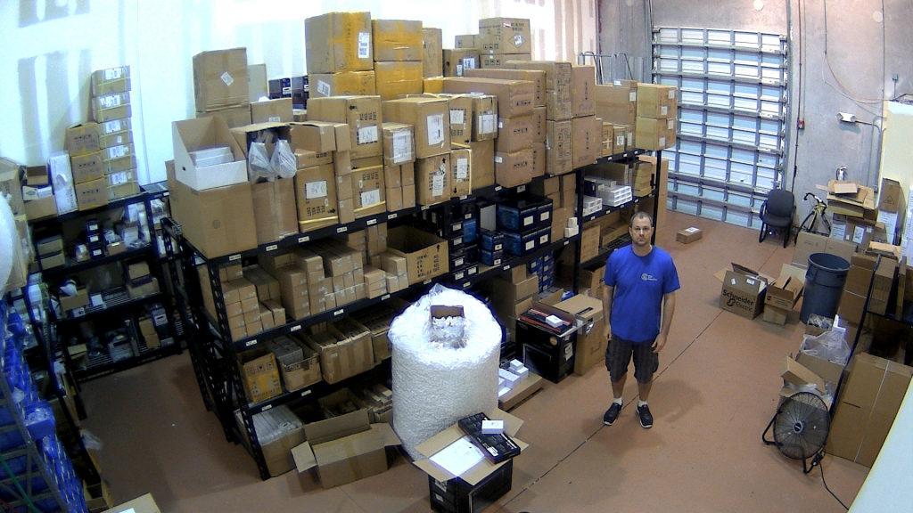 установка видеонаблюдения на складской базе